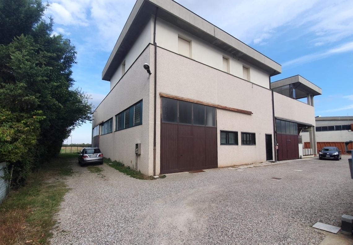 Osteria Grande - Immobile ad uso ufficio con terrazzo di 155 mq